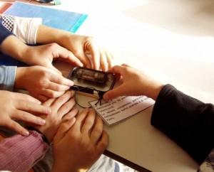 toccare_mano